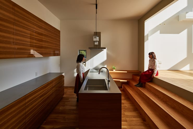 キッチン: 武藤圭太郎建築設計事務所が手掛けたキッチンです。
