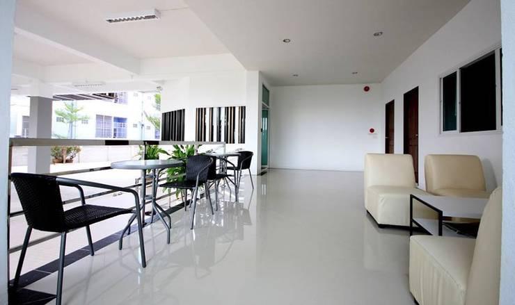 PP Apartment:   by นาครา บ้านและตกแต่ง