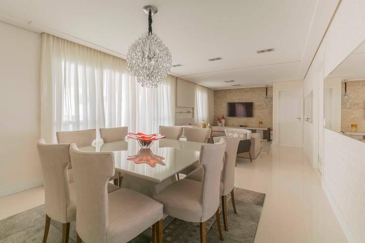 Comedores de estilo moderno por Silvana Borzi Design