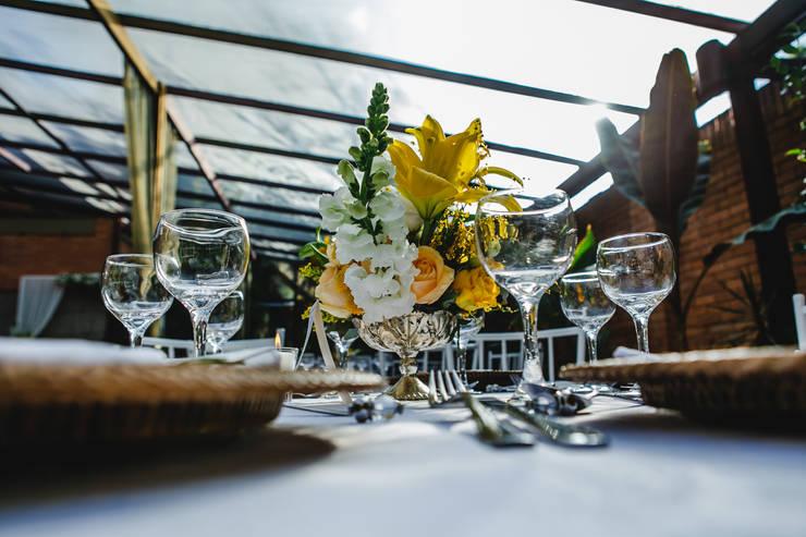 Decoração para Mesa: Jardim  por Cena De.Coração