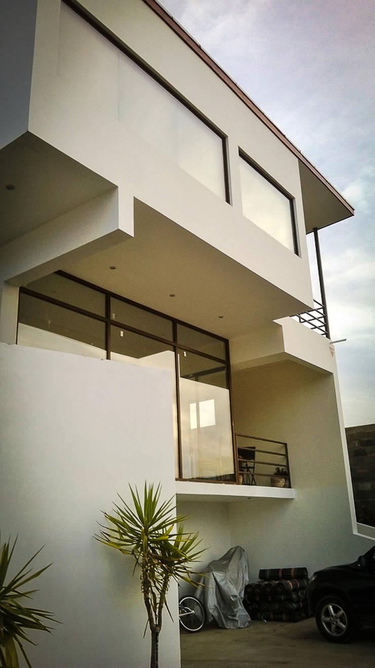 Casa Morales. Concon. Chile: Casas de estilo  por CM Arquitecto