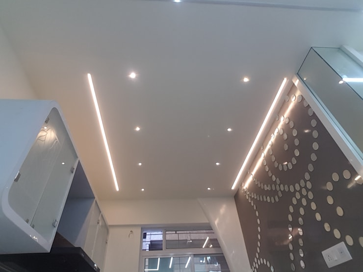 Lighting In Kitchen False Ceiling:  Kitchen by Alaya D'decor