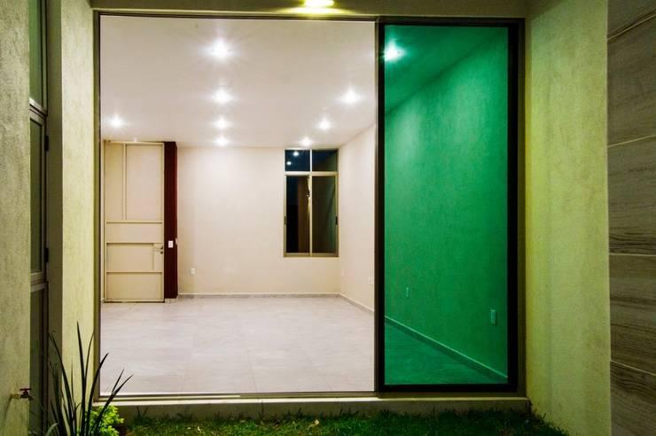 Comedores de estilo moderno por MOVE Arquitectos