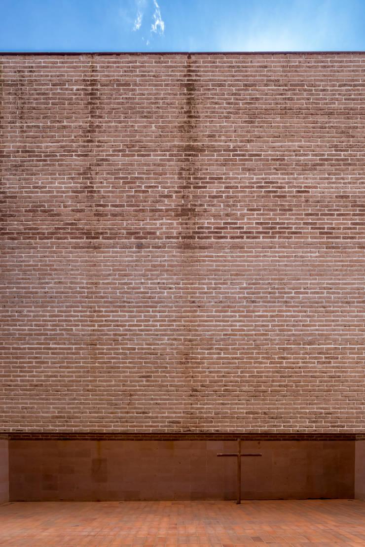 CAPILLA TEQUILA CENTINELA : Casas de estilo  por Estudio ALA, Moderno