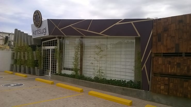 KINTSUGI CENTRO HOLISTICO: Espacios comerciales de estilo  por ESTUDIO DE ARQUITECTURA C.A