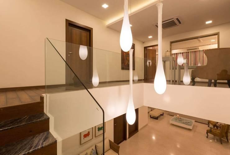 Proposed Interior of Bunglaow:  Corridor & hallway by KANAKIA INTERIOR AND CONSULTANCY