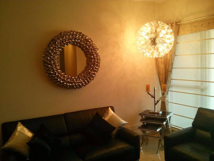 Living room by Studio Sohaib, Modern