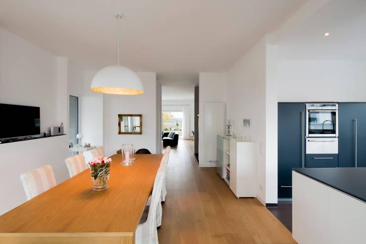 Haus HC:  Esszimmer von Ferreira   Verfürth Architekten