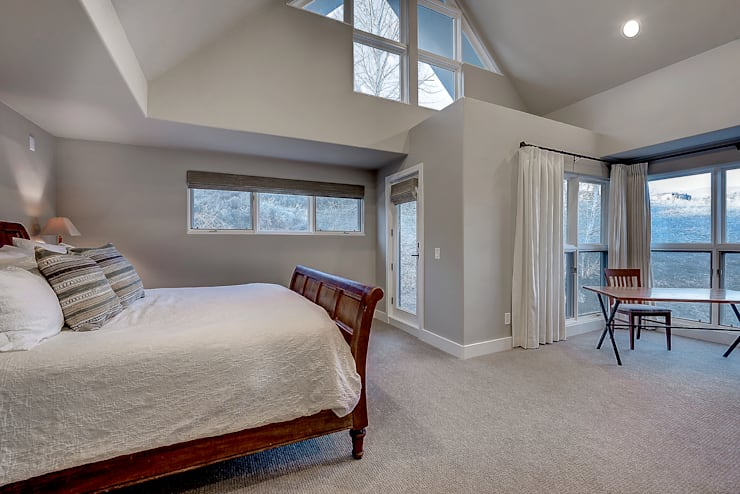 Award Winning Winslow Project: classic Bedroom by Futurian Systems