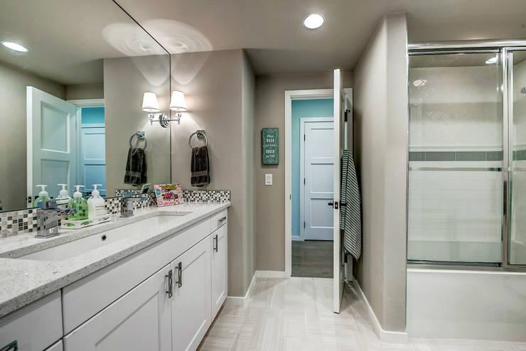 Bathroom by Futurian Systems