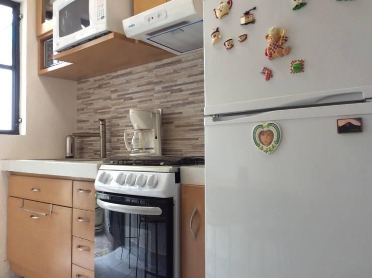 Remodelación Cocina: Cocinas de estilo  por InGeniotika, Moderno Madera Acabado en madera