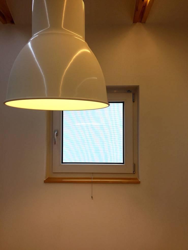 용인 동백주택 #1: HAUS.O의  창문