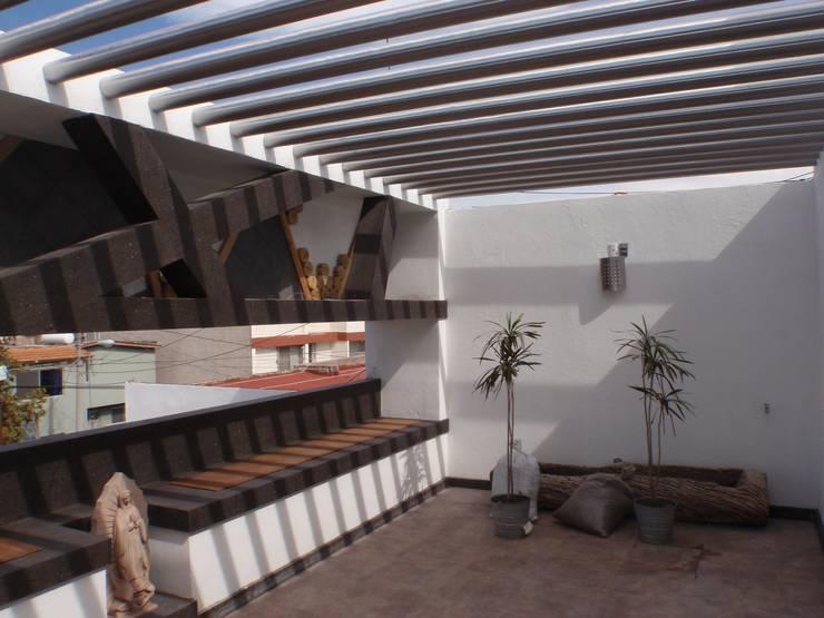 Terraza:  de estilo  por Stann Designs S.A de C.V., Moderno