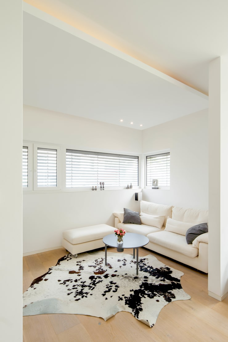 視聽室 by Ferreira | Verfürth Architekten,