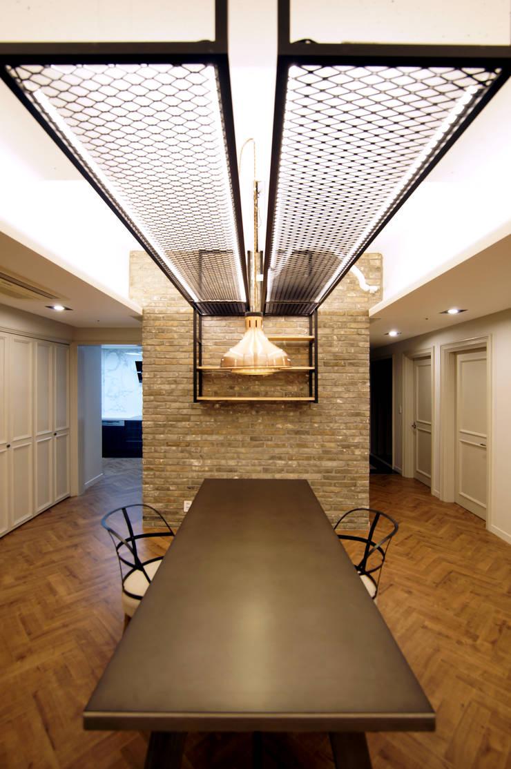 일산 장항동 SK M시티 58평형: 스토리희 디자인의  다이닝 룸