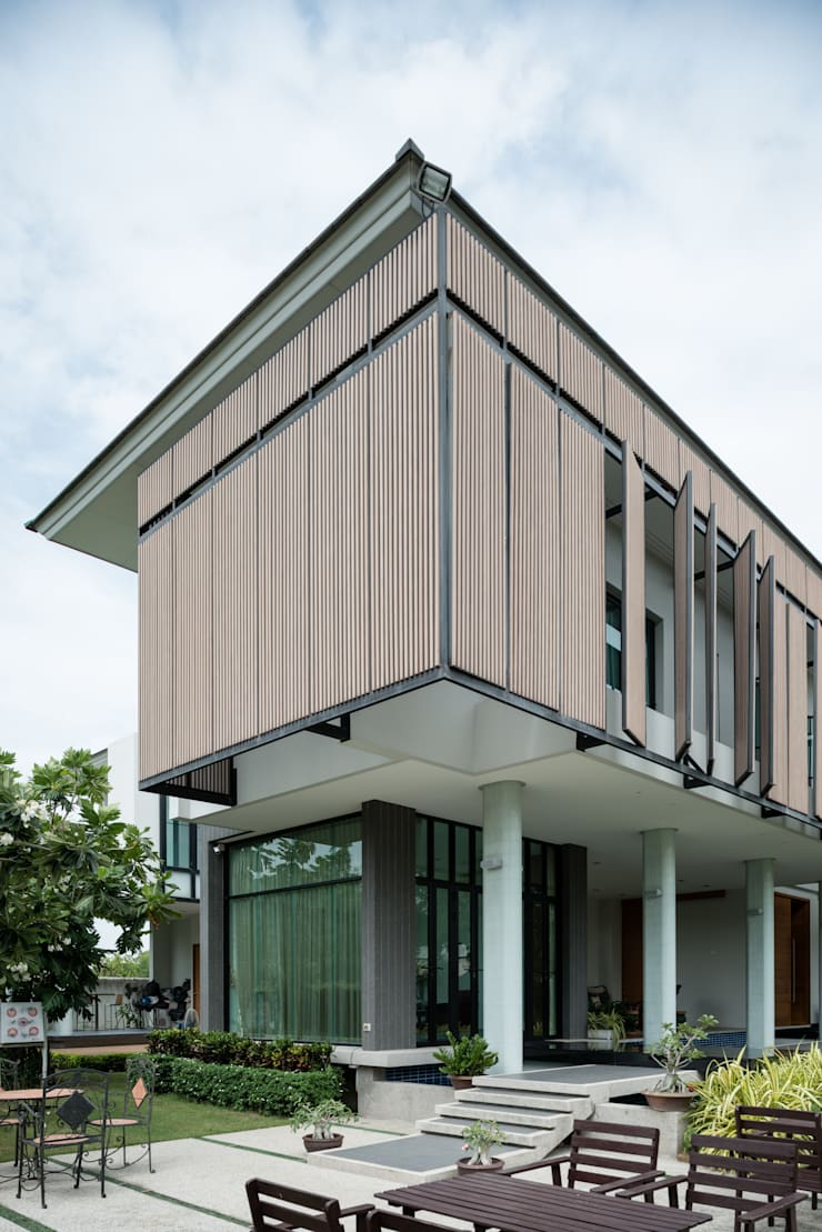 Tiwanon House:   by Archimontage Design Fields Sophisticated