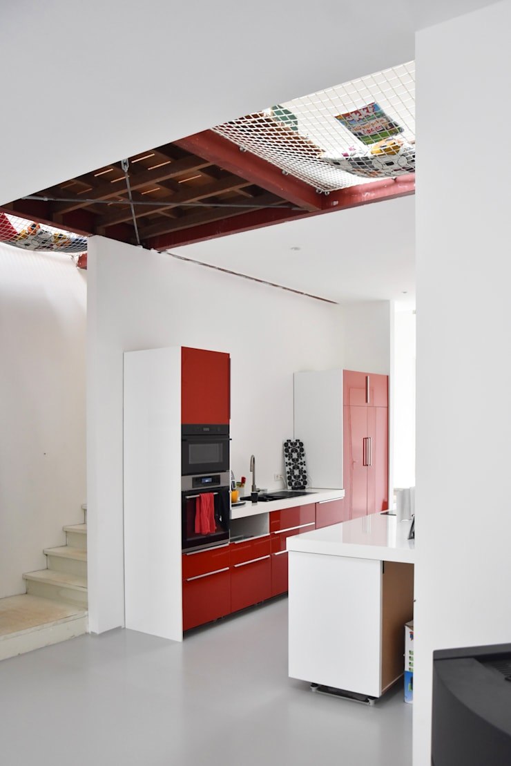 Energieneutrale woning Buiksloterham:  Keuken door CUBE architecten, Modern