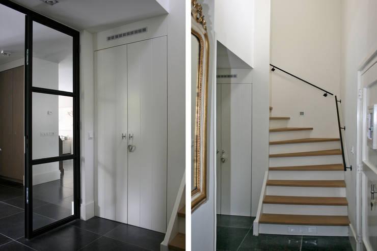 Entree / Hal / Trap:  Gang en hal door Doreth Eijkens   Interieur Architectuur, Modern