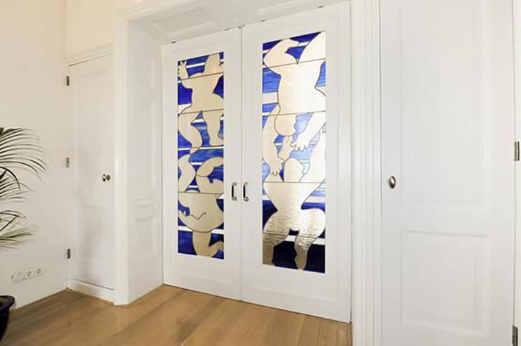 Separatie gerestaureerd:  Eetkamer door Tektor interieur & architectuur, Klassiek
