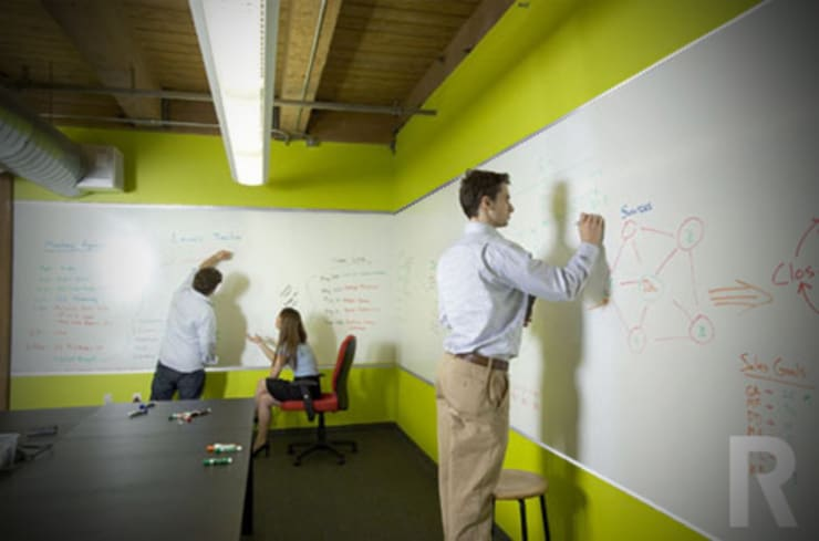 Wonder wall:  Study/office by Resurface Graphics, Modern