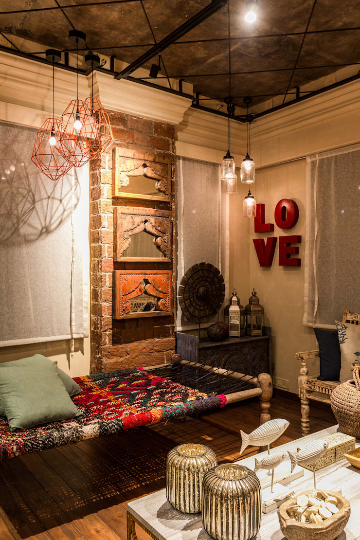 RUSTIC INTERIORS:  Bedroom by Turiya Lifestyle LLP,Rustic Wood Wood effect