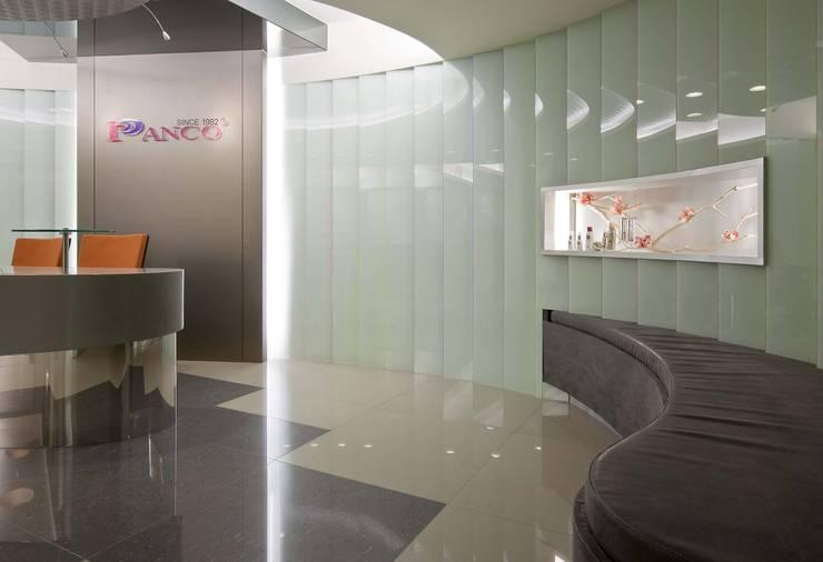 汎歌化妝品公司:  辦公室&店面 by 大也設計工程有限公司 Dal DesignGroup