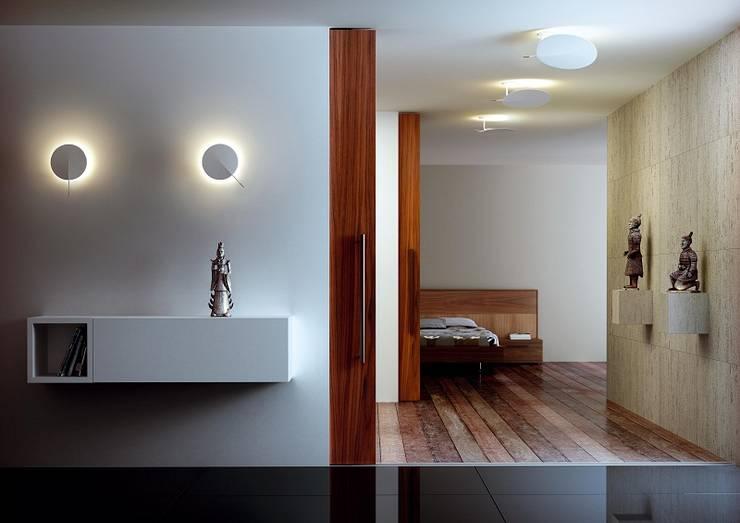 Corridor, hallway & stairs by Rufo Iluminación