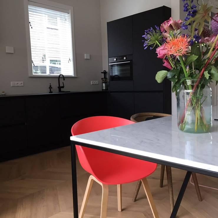 Keuken:   door LJW Architectuur