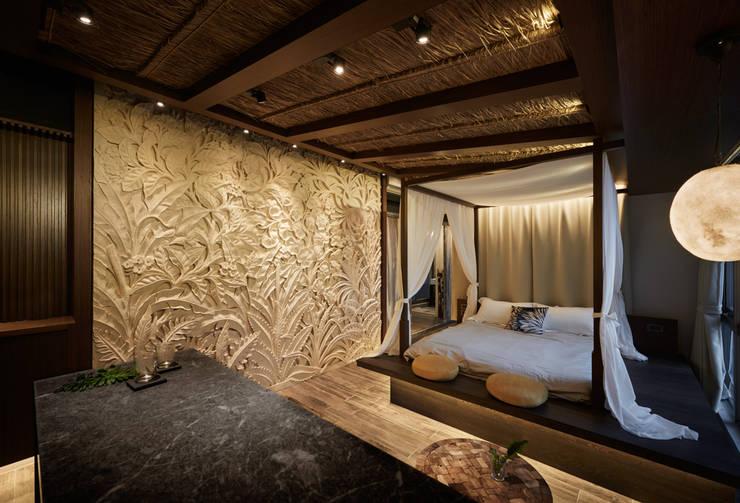 tropical Bedroom by 有偶設計 YOO Design