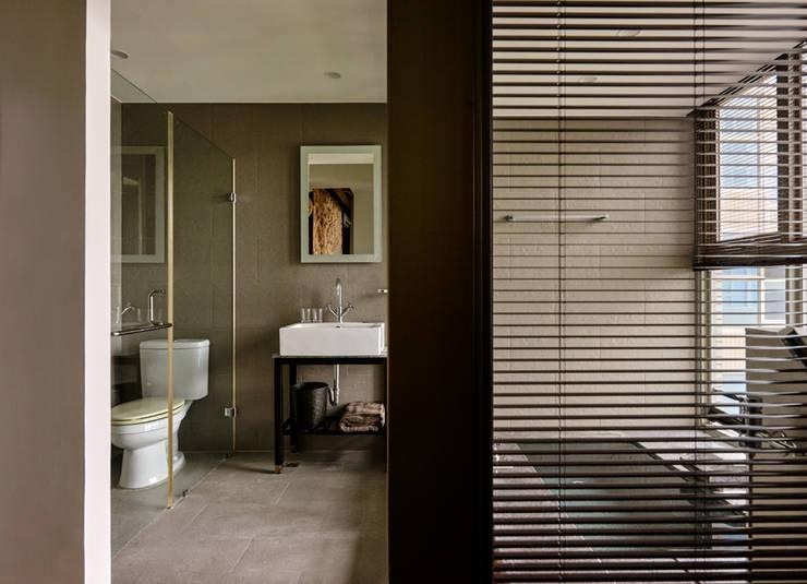 漫峇厘:  浴室 by 有偶設計 YOO Design