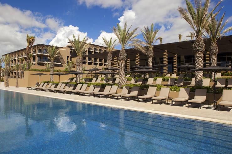 JW Marriott Los Cabos - IDEA Asociados: Albercas de estilo  por IDEA Asociados