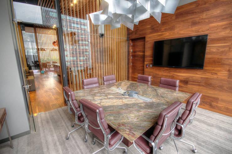 Idu - IDEA Asociados: Estudios y oficinas de estilo  por IDEA Asociados, Moderno