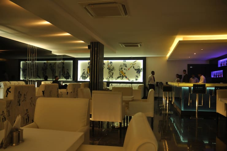 Inswing Bar, Cuttack (with Architekno):  Bars & clubs by Schaffen Amenities Private Limited