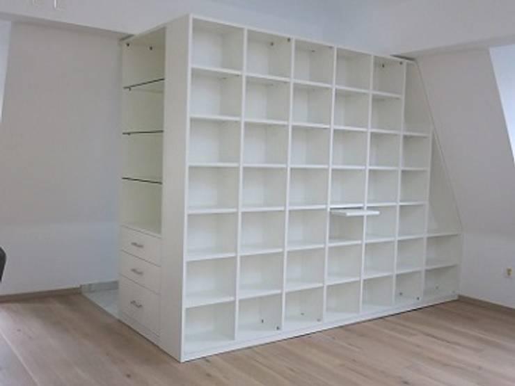 Raumteiler Im Wohn Esszimmer Von Schrankwerkde Homify