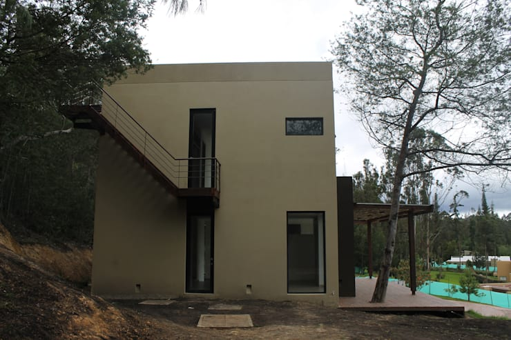EXTERIOR : Casas de estilo  por IngeniARQ