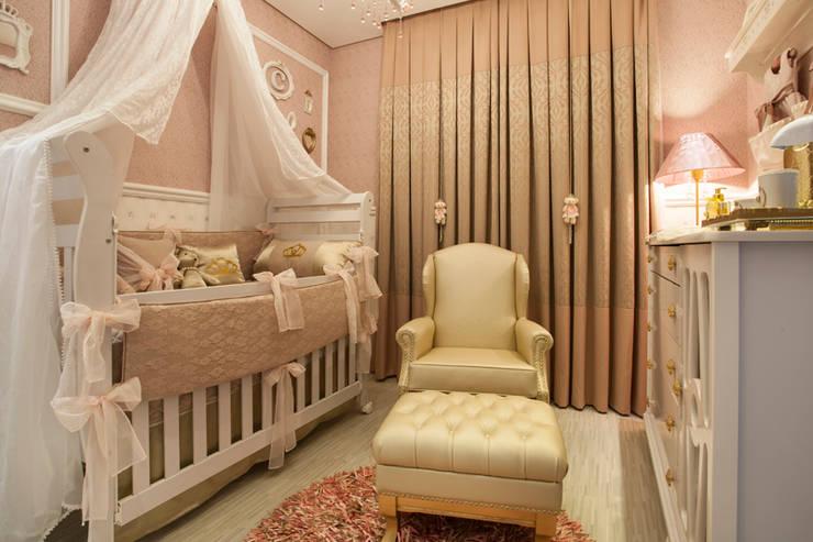 Cuartos infantiles de estilo  por Ahph Arquitetura e Interiores, Clásico