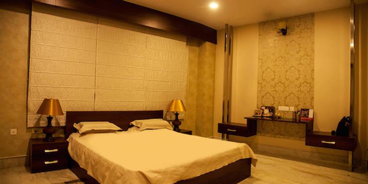 Suryanagar Residence, Bhubaneswar:  Bedroom by Schaffen Amenities Private Limited