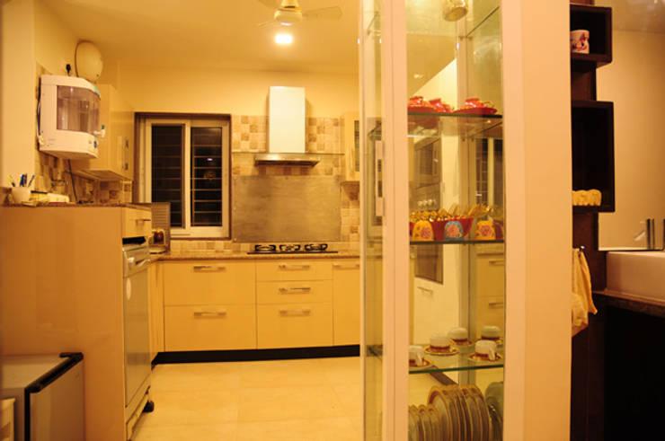 Forest Park Residence, Bhubaneswar:  Kitchen by Schaffen Amenities Private Limited,Modern