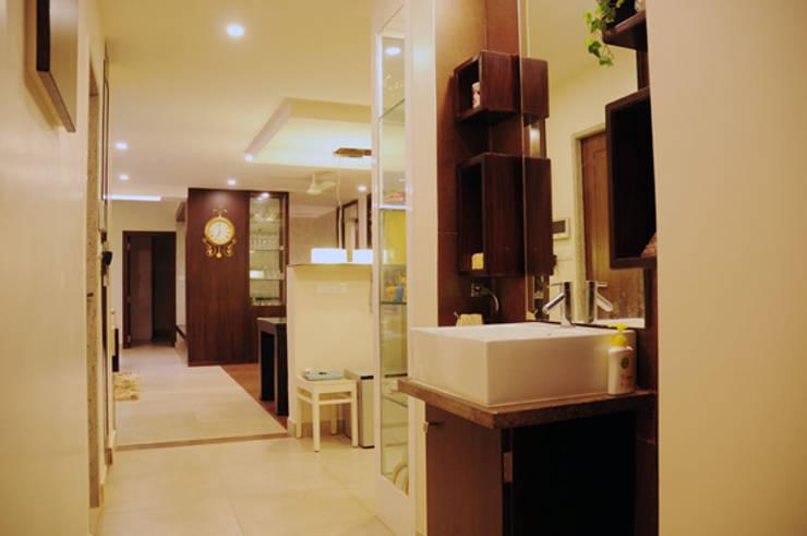 Forest Park Residence, Bhubaneswar:  Bathroom by Schaffen Amenities Private Limited,Modern
