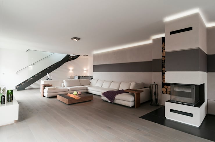 Living room by Egg and Dart Corporation GmbH & Co.KG | München