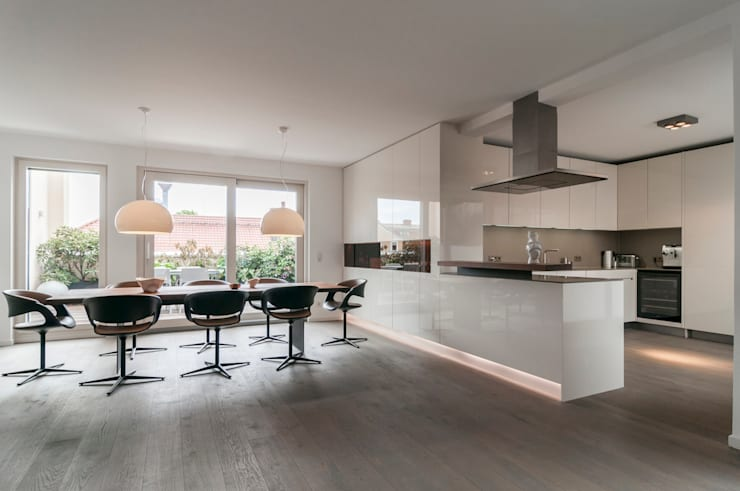 Kitchen by Egg and Dart Corporation GmbH & Co.KG | München