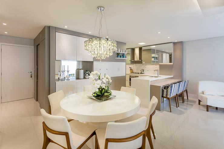 Projeto CV: Salas de jantar modernas por Juliana Agner Arquitetura e Interiores