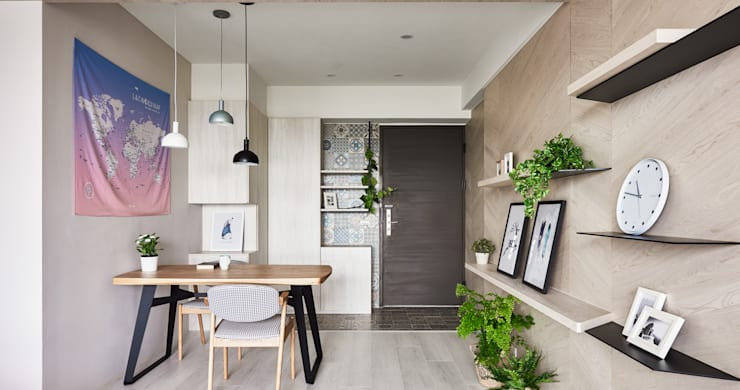 K-HOUSE:  走廊 & 玄關 by 思維空間設計