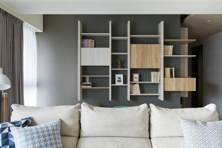 K-HOUSE:  書房/辦公室 by 思維空間設計