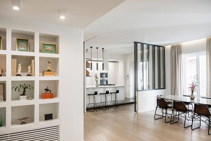 Salas de estilo  por Archenjoy - Studio di Architettura -
