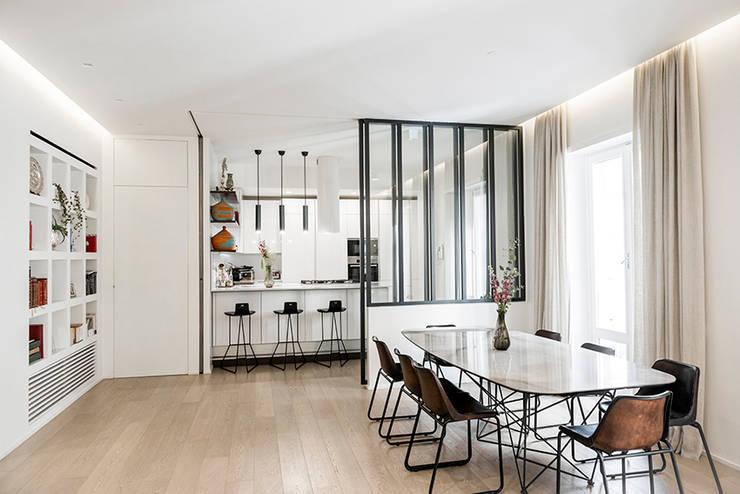moderne Woonkamer door Archenjoy - Studio di Architettura -