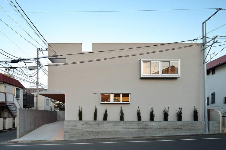 奥沢の家: アトリエ スピノザが手掛けた家です。
