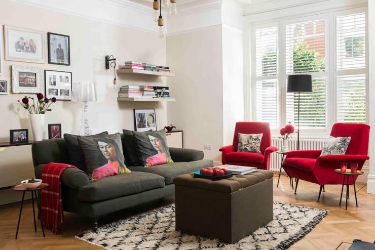 Salon de style  par SWM Interiors & Sourcing Ltd, Moderne