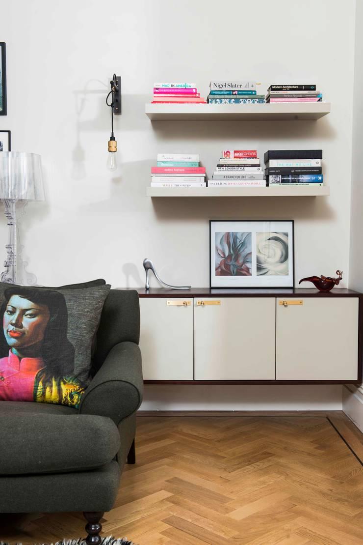 de estilo  por SWM Interiors & Sourcing Ltd, Moderno Madera Acabado en madera