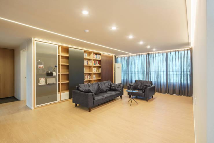 Living room by ARA